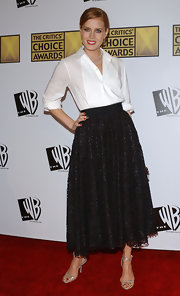 Amy dons a crisp white button up for this 50's style at the Critics Choice Awards.