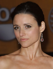 Julia Louis-Dreyfus glammed up her look with a pair of diamond and ruby chandelier earrings at the Screen Actors Guild Awards.