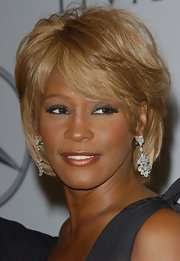 Whitney Houston rocked her short layered bob at the Carousel of Hope Ball.