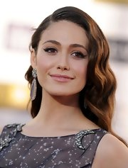 Emmy Rossum's rippling waves channeled a timeless Old Hollywood vibe.