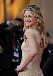 Missi Pyle wore her long locks in tousled wavy layers at the 18th Annual SAG Awards.