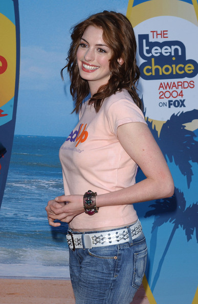 More Pics of Anne Hathaway Leather Belt (1 of 2) - Anne Hathaway Lookbook - StyleBistro