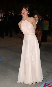 Lara Flynn Boyle's pale pink halter dress was cute and sexy at the same time.
