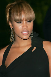 Eve downplayed her pout with nude lipstick when she attended the 2007 Vanity Fair Oscar party.