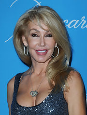 Linda Thompson's soft flowy hair at the 2009 UNICEF Ball looked like something right out of a shampoo ad.