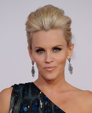 Jenny paired her voluminous updo with sterling silver earrings.