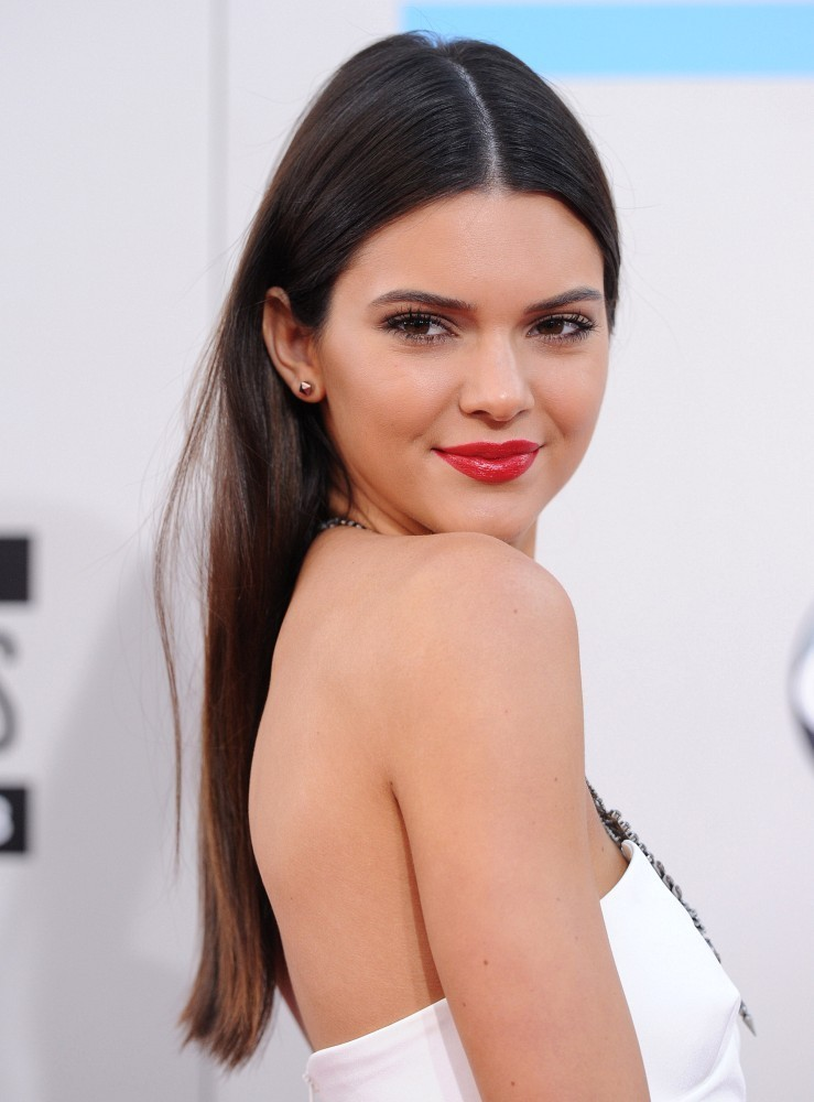 Kendall Jenner - Smooth Strands: The Straightest Celebrity ...Kendall Jenner 2013 Hair