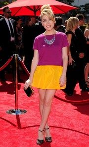 Jennette McCurdy looked striking and fun in her yellow mini skirt and purple blouse during the Emmys.