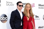 Jennifer Lopez and Casper Smart Photo