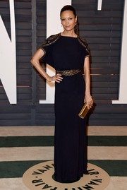 Thandie Newton looked fab in a simple black dress with gold metallic embellishments at the Vanity Fair Oscar Party.