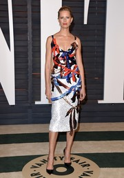 Karolina Kurkova brought a playful burst of color to the Vanity Fair Oscar party with this ribbon-sequined dress.