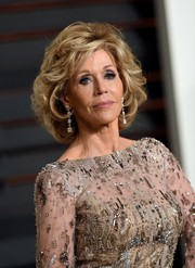 Jane Fonda stuck to her signature curled-out bob when she attended the Vanity Fair Oscar party.
