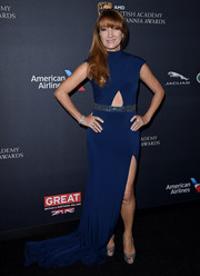 Jane Seymour looked youthful in a blue Jovani fishtail gown with a midriff cutout and a bedazzled waistband during the 2016 BAFTA Britannia Awards.