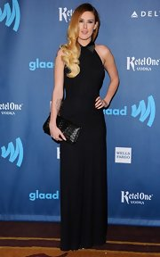 Rumer Willis kept her red carpet look simple and elegant with this column-style black dress with a halter neckline.