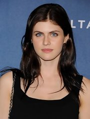 Alexandra Daddario's hair looked natural and effortless at the GLAAD Media Awards red carpet.