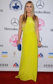 Carmen Electra stole the spotlight at the Hope Ball in this electric chartreuse evening dress.