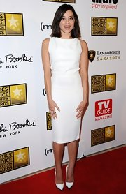 Aubrey Plaza sported an elegant all-white ensemble at the Critics' Choice TV Awards, consisting of pointy pumps and a sheath dress.