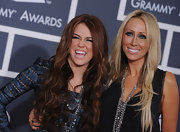 Miley's mom rocks long layered locks too!