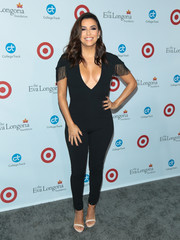 Eva Longoria styled her look with a pair of two-tone sandals by La Perla.