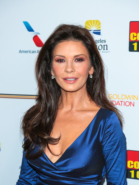 Catherine Zeta-Jones looked gorgeous with her subtly wavy hairstyle at the Legacy of Vision Gala.