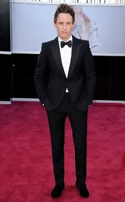 Eddie Redmayne kept his look classic and sophisticated at the 2013 Oscars when he opted for a stunning tuxedo.
