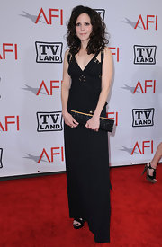 Mary-Louise Parker strutted down the red carpet of the AFI Life Achievement Awards in a simply elegant black evening dress.
