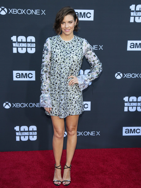 Lauren Cohan styled her dress with sexy strappy sandals.