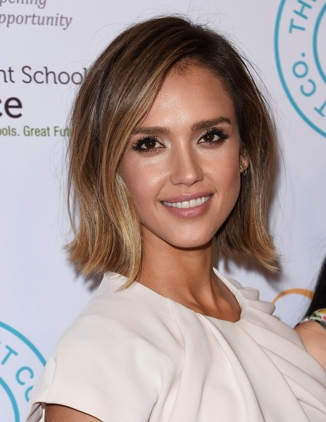 More Pics Of Jessica Alba Bob 1 6 Short Hairstyles Lookbook Stylebistro
