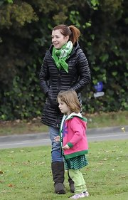Alyson Hannigan hung out with her family but did so in style with this green scarf, which added just a bit of St. Paddy's Day fun to her look.