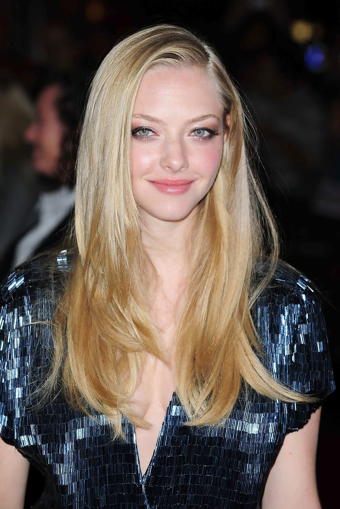 Amanda Seyfried Long Straight Cut Amanda Seyfried Hair