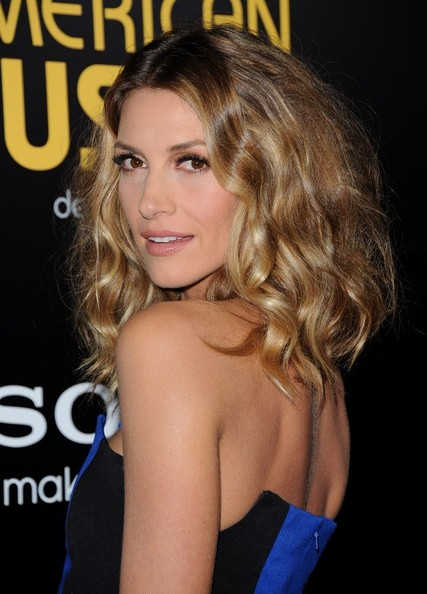 More Pics of Dawn Olivieri Medium Curls (1 of 9) - Shoulder Length Hairstyles Lookbook - StyleBistro