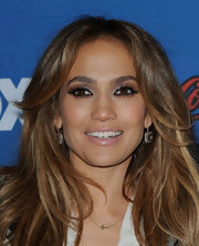 Jennifer Lopez rocked metallic shadow while attending the finalist party for 'American Idol.'