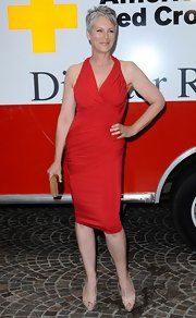 This spicy red cocktail dress was fabulous on Jamie Lee Curtis. The diagonal ruching was amazingly flattering.