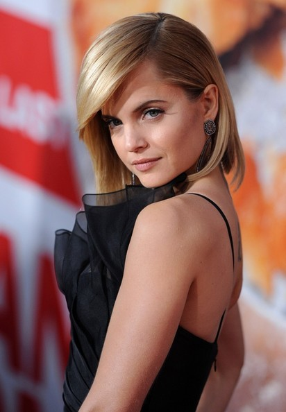 More Pics of Mena Suvari Mid-Length Bob (1 of 27) - Mid-Length Bob Lookbook - StyleBistro
