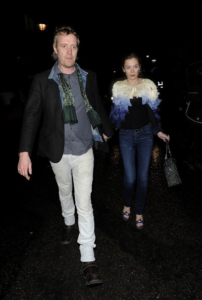 More Pics of Anna Friel Skinny Jeans (6 of 12) - Skinny Jeans Lookbook - StyleBistro