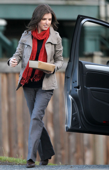 Anna Kendrick Solid Scarf []