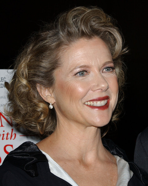 Annette Bening Curled Out Bob []