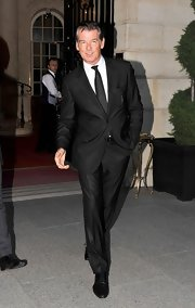 This former 007 looked right at home in this dapper tux.