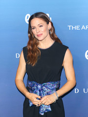 Jennifer Garner showed off some gorgeous diamond bracelets by Neil Lane at the Art of Elysium celebration.