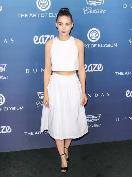 Rooney Mara matched her top with a full midi skirt.