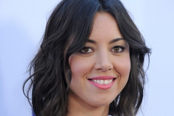 Aubrey Plaza Flirts with White