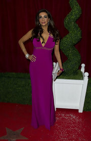 The vibrant purple hue and daring neckline of Shobna's dress made sure she stood out on the red carpet.
