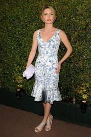Annabelle Wallis went for a sweet, ladylike vibe at the Decades of Glamour Oscar party in a blue and white floral dress with a ruffled hem.