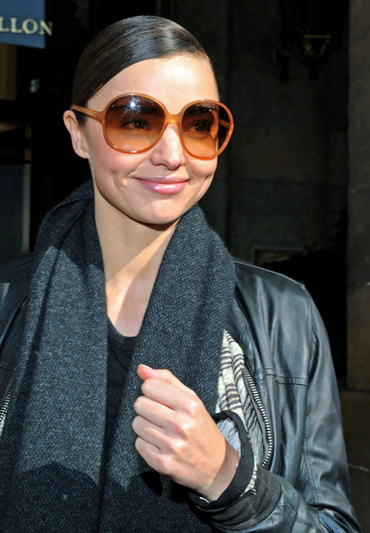 More Pics of Miranda Kerr Round Sunglasses (1 of 3) - Miranda Kerr Lookbook - StyleBistro