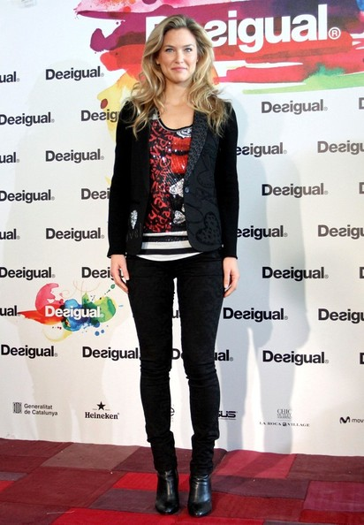 More Pics of Bar Refaeli Skinny Pants (5 of 14) - Bar Refaeli Lookbook - StyleBistro