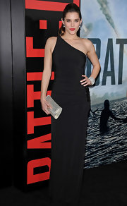Susie wears an elegant one-shoulder black evening gown with a beaded hip design at the 'Battle: LA' premiere.
