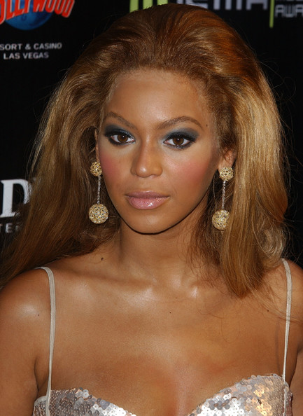 Beyonce Knowles Gold Dangle Earrings
