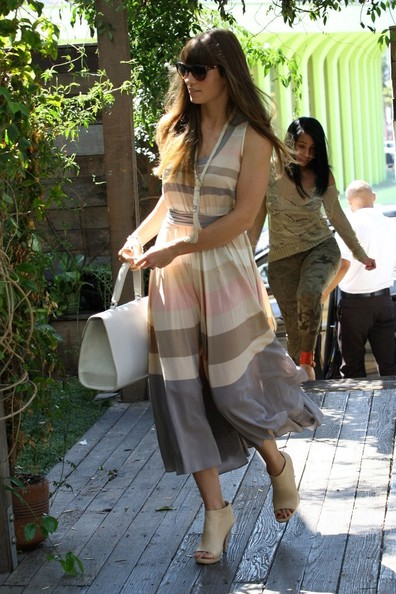 More Pics of Jessica Biel Day Dress (1 of 7) - Jessica Biel Lookbook - StyleBistro