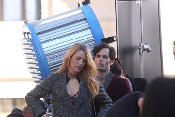 Blake Lively Penn Badgley Stars Film 'Gossip Girl' 2