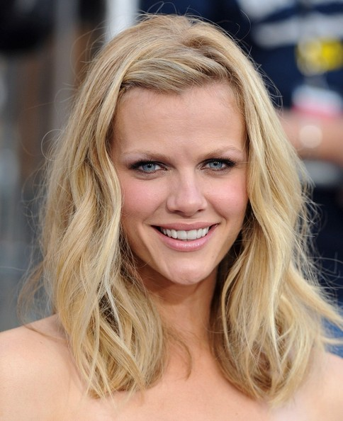 Brooklyn Decker Long Wavy Cut []